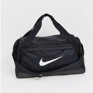Nike Training Brasilia small carryall in black nwt